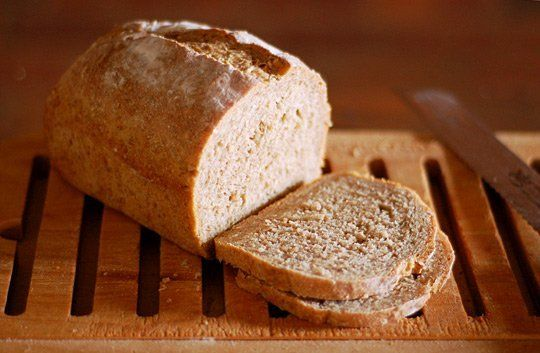 Il pane integrale Bimby è una preparazione molto nutriente e gustosa, perfetto per chi ama prendersi cura del proprio corpo