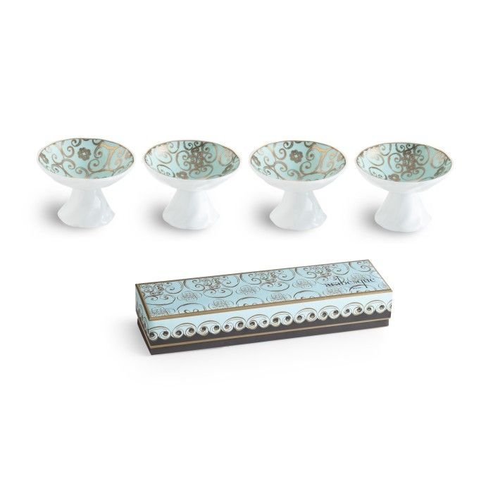 Smal dipping dishes in porcelain with gold accents.  #mothersday #mothersdaygift #mothersdaypresent