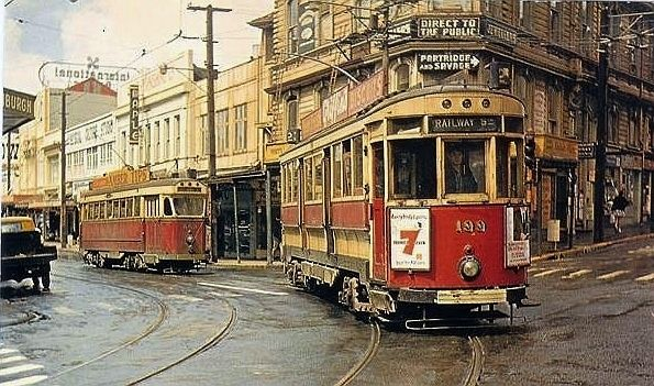 Two Wellington trams turn from Manners Street into Willis Street in November 1962