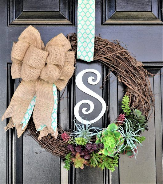Come learn how to make this gorgeous Spring Succulent Wreath! @HobbyLobby #HobbyLobbyStyle #HobbyLobbyMade #ad