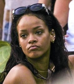 Rih just being Robyn