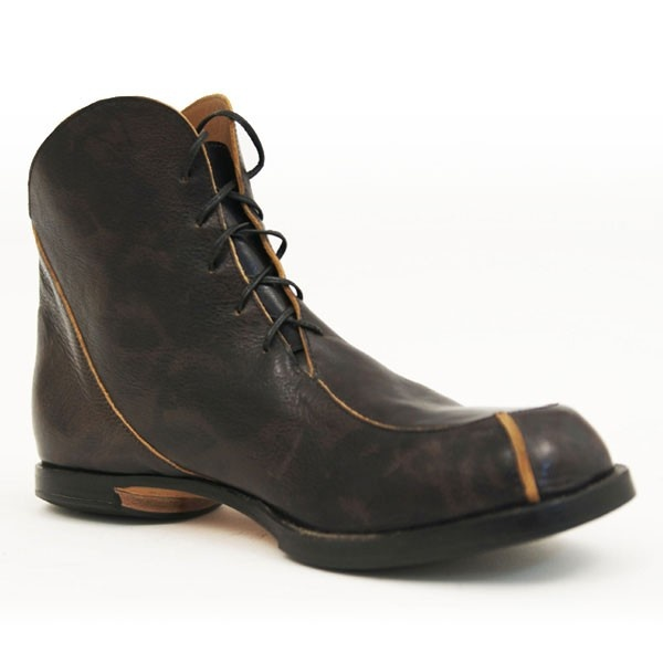Slot-M boot by Cydwoq! Sweet hand-made shoes from the USA.