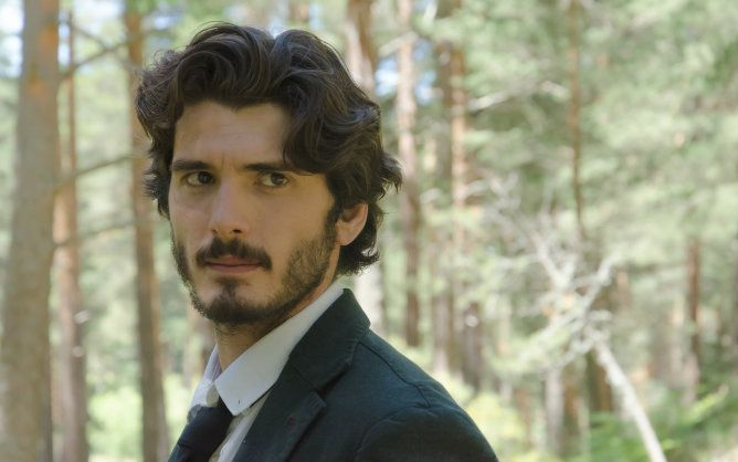 Yon González, actor protagonista de la serie de Antena 3 'Bajo Sospecha'
