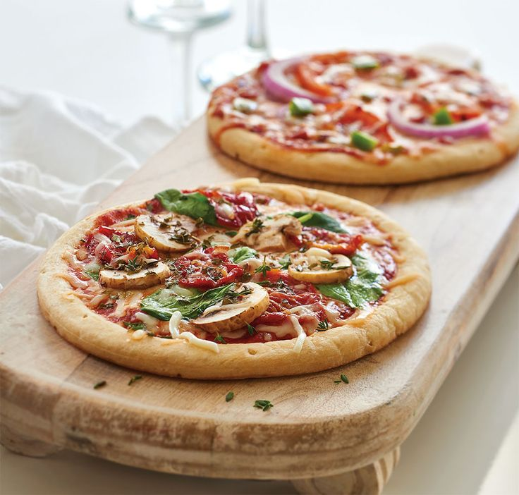Make Perfect Personal Pizzas in just 15 minutes. Personalized and quick – what could be better than that?