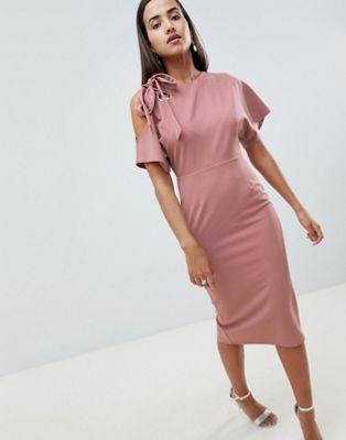 48c129dde94 Изображение 1 из Платье-футляр с люверсом и вырезом на плече ASOS DESIGN