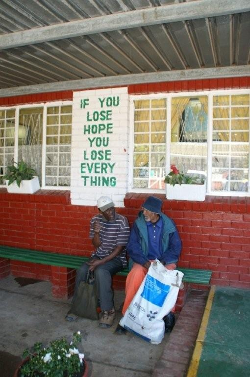 By die Missionvale Care Centre, Port Elizabeth