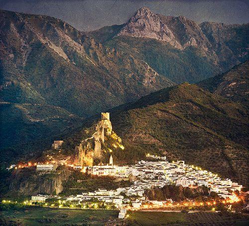 ZAHARA de la SIERRA 2 (CÁDIZ)