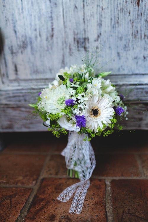 vrai mariage, décoration mariage, bouquet mariée  http://lamarieeencolere.com/post/33349891751/vrai-mariage#