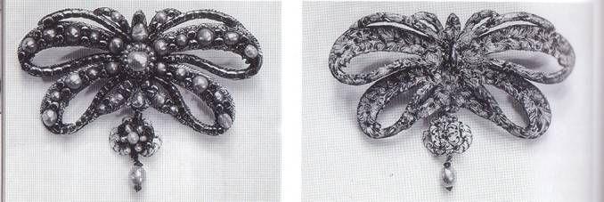 """Spilla da corsetto, detta """"Sévigné""""."""