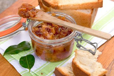 Peach and lime chutney with toasted Niuean coconut bread – Recipes – Bite