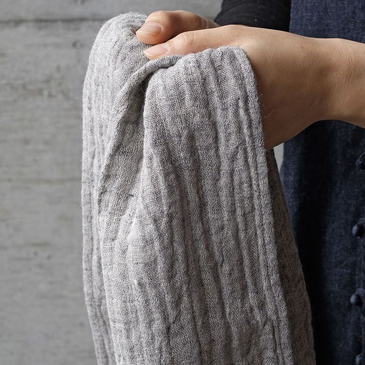 Une place sur la Terre | Double Gauze Linen Face Towel - Analogue Life