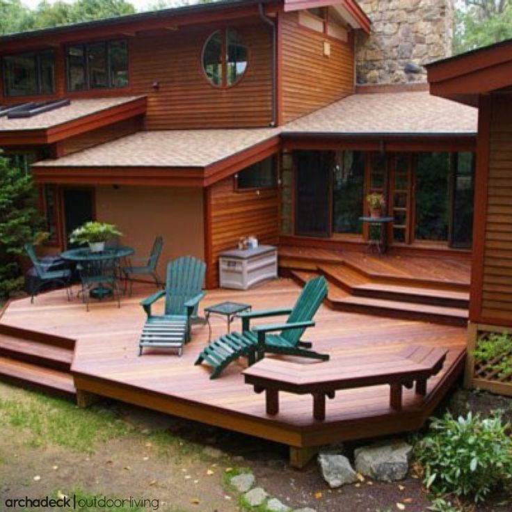 As either a detached or attached structure to your home, platform decks — though less complicated structurally when compared to elevated decks — are ideal for customization.    5 Tips For A Flat-Out Fabulous Platform Deck