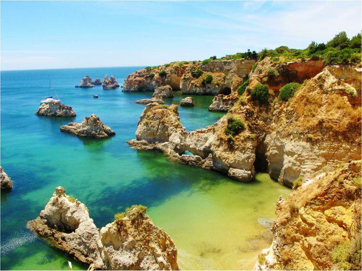 Algarve - Beach lovers' paradise #algarve #portugal #exchangeyear #exchangestudent #beach #wow #incredible #beautiful #cliffs