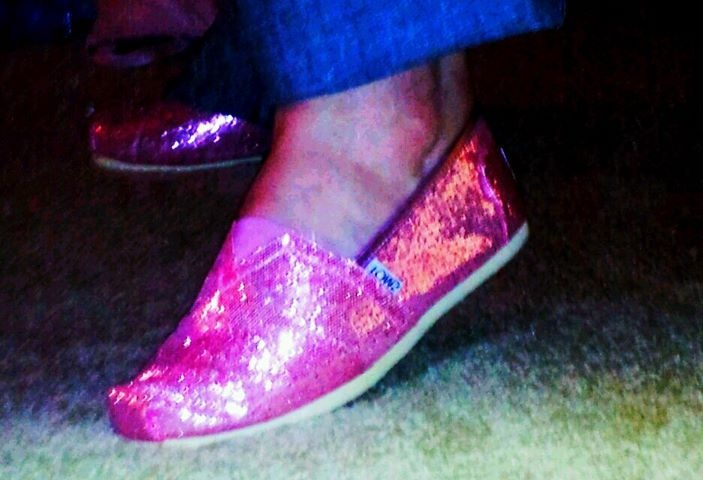 love my pink sparkly toms: Green Shoes, Tom Shoes, Sparkly Toms, Toms ️, Shoes Shoes Shoes