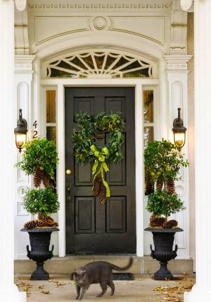 Selling Your Home During The Holidays {The Staging Scoop}