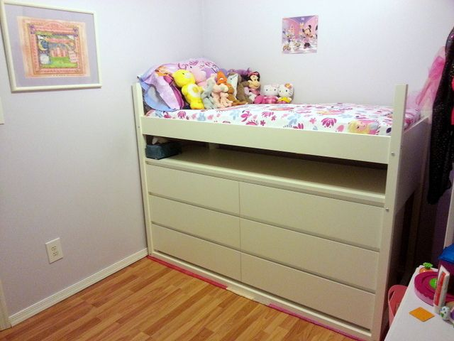Lofted kids bed for a small space - IKEA Hackers