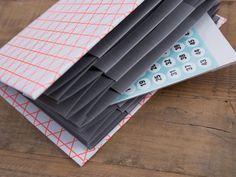 Tutoriale DIY: Cómo hacer un organizador de papel en forma de acordeón vía DaWanda.com