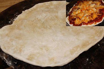 Побаловать своих родных в дни Великого поста можно всеми любимой пиццей. Тем более приготовить постное тесто для пиццы не составит огромного труда и отнимет совсем немного времени. А сколько разных начинок из растительных продуктов можно придумать и не сосчитать. Главное проявить желание и у вас все получится.