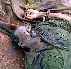Jonas Savimbi morto em combate, no Moxico, Angola, 22-02-2002.