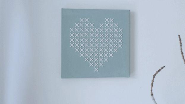 Valentijn DIY: geborduurd hart | www.roomed.nl  #valentine #diy #inspiration #heart #embroidered #craft #ideas #valentinesday