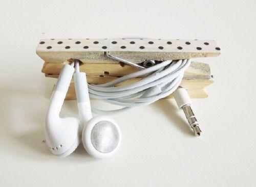 Use um pregador para guardar o fone de ouvido