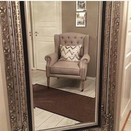 @furniturejeparaantique.keunggulan dari furniture kamimemakai bahan kayu solid. 1.full solid 2.mc kering maksimal 3.kontruksi kuat 4.kaki ditimbang byar tidak goyang Futur ramah lingkungan.buatan tangan. Mau desaind furniture sesuai dngan keinginan anda. -ALAMAT:bawu batealit jepara -PIN BBM: 5CDBF532 -WA/HP :085200633474 -LINE :SANDI B.A anda yg ingin buka toko furniture kayu jati / mahogani!!!!kami siap melayani anda dngan sepenuh hati &harga grosir…