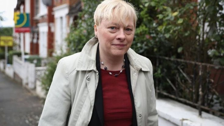 Angela Eagle says she will launch her challenge for the Labour leadership on Monday, as union talks aimed at resolving the crisis at the top of the party are called off.