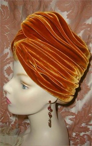 Schiaparelli Hat, Vintage Velvet Turban | Good Lord, I actually have this one in olive green and one in navy blue!!! Costume night!!!!