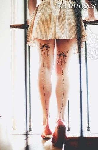 bow leg tattoos | Nollimages - Anna Malmberg - legs, tattoo, henna tattoo, bow, skirt ...