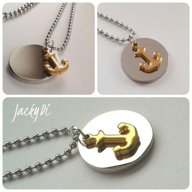 Tolle handgearbeitete Halskette mit Doppelanhänger-goldener Anker und silberne Gravurplatte für die persönliche Wunschgravur.