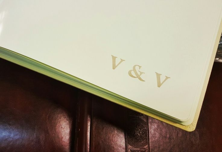 Grawer na kartach ecru również wygląda bardzo dobrze  #albumyfoto #albumyslubne #albumynazdjecia #fotoalbum ##albumtradycyjny