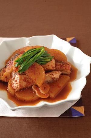 万能だれがあれば、煮魚もラクラク♪ パンチのきいたぶり大根は、和風に負けないほど、ご飯にぴったりです!