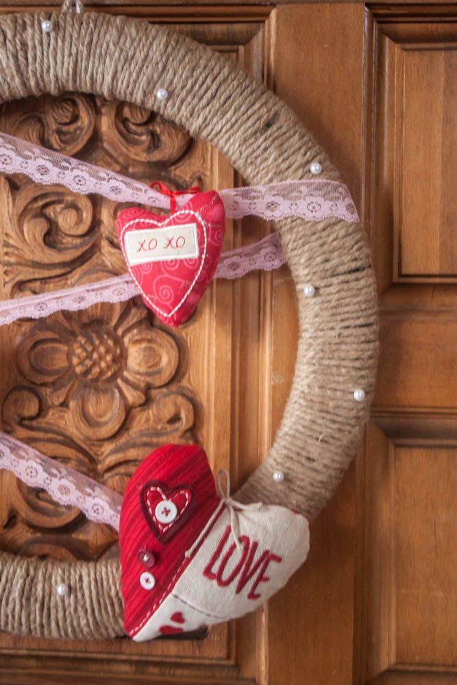 DIY Valentine's Day Wreath: Diy Valentines Day, Valentines Ideas, Valentines Diy, Valentines Heart, Valentines Day Wreaths, Holidays Ideas, Valentines Wreaths, Crafts Diy, Valentine'S Ideas