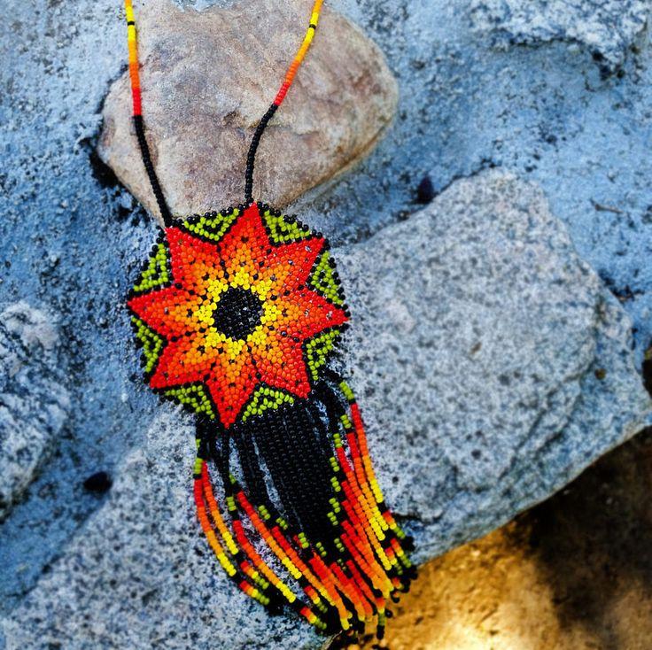 Collar de Huichol