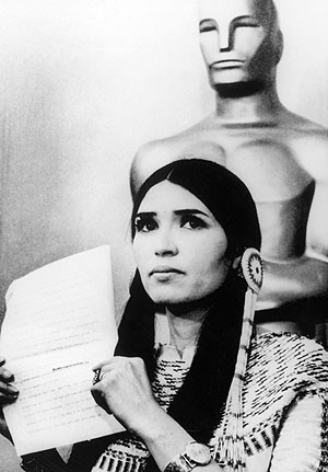 Marlon Brando (1973) Native-American activist Sacheen Littlefeather to refuse the Oscar on his behalf.