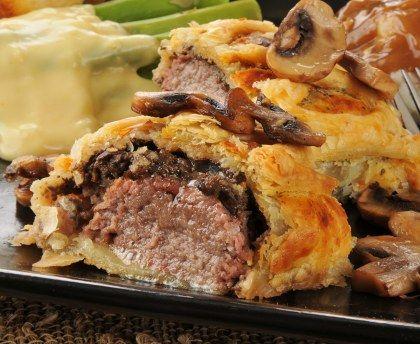 filet mignon, pâte feuilletée, beurre, oignon, champignon, crême fraîche, kub or, moutarde, vin blanc, oeuf, Sel, Poivre