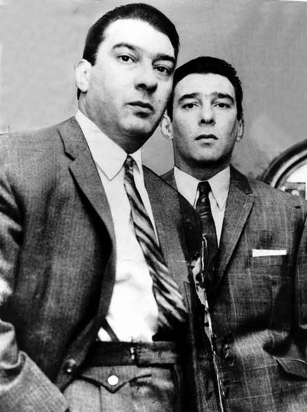 RONNIE AND REGGIE KRAY , MOB BROTHERS. LONDON GANG.