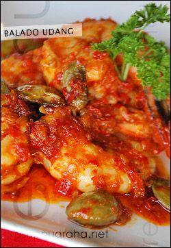 Balado Udang (Shrimp chili stir fry).