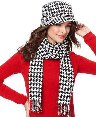 Image from http://www.stylishtrendy.com/wp-content/uploads/2011/12/stylish-hats-and-scarves-for-women_5.jpg.
