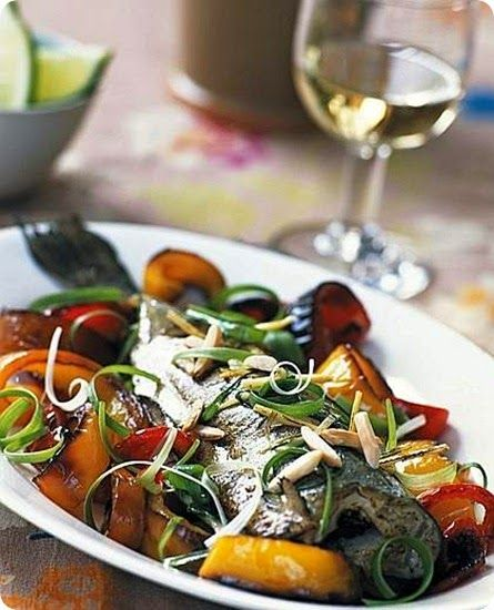 Nasello con verdure e mandorle