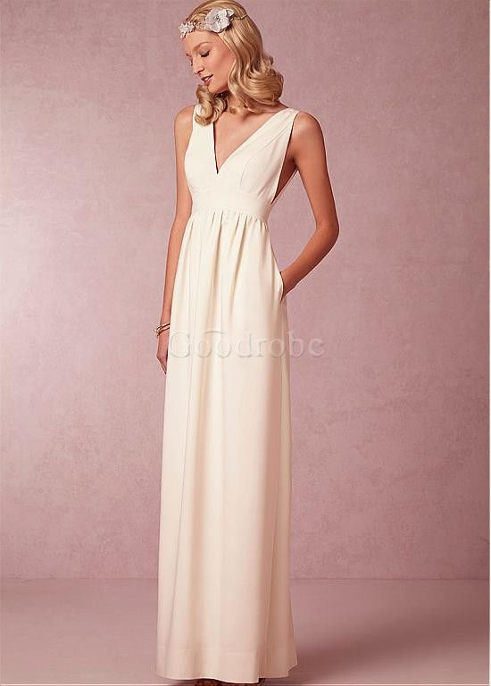 Robe de mariée fourreau de col en v satin extensible poches - photo 2