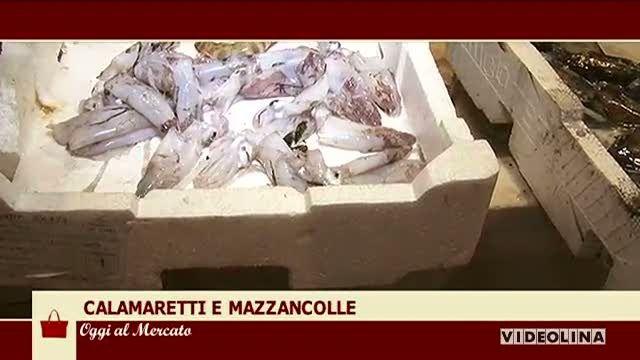 Al mercato San Benedetto: Calamaretti e mazzancolle. Una ricetta al giorno: Spada panato al carasau carciofo e guacamole di patate e pomodoro.