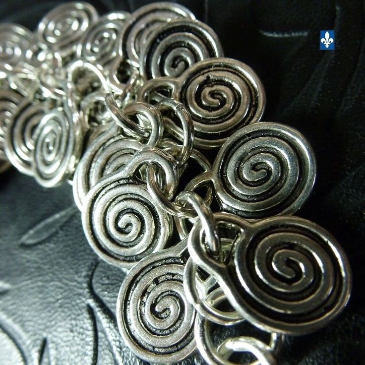 ♥ EASY SHIP TO USA  Beautiful All Plated Silver Dangling Spiral Bracelet