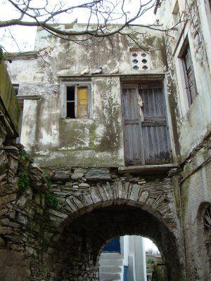 Traditional house in Steni village https://www.facebook.com/tinoshabitart