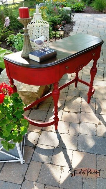 Emperor's Silk painted sofa table desk Emperor's Silk painted sofa table desk Painted Red Jacobean hall table sofa table, Painted Furniture, Refinished, Annie Sloan Chalk Paint, DIY Inspiration Ideas Painted sofa hall table #paintedfurniture #painted #dis