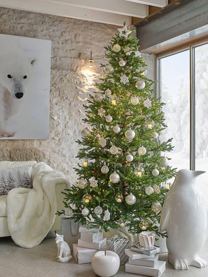 Collezione White: idee decorative per la tavola, l'albero e la casa per Natale