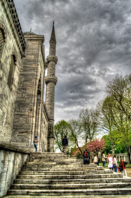 Blue Mosque, Istanbul - The mosque is known as the Blue Mosque because of blue tiles surrounding the walls of interior design.Mosque was built between 1609 and 1616 years, during the rule of Ahmed I.