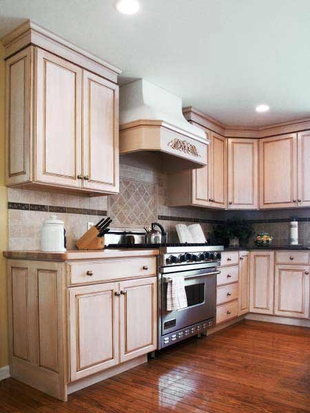 stain choice to blend with wood trim