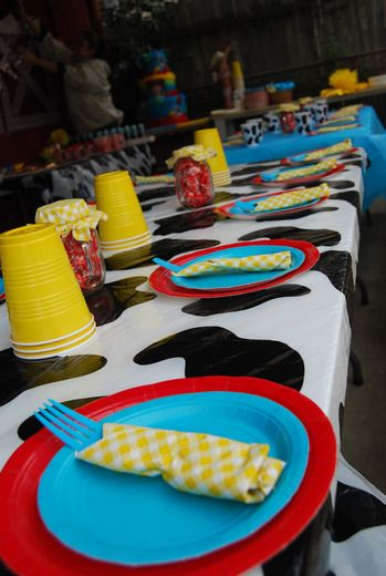Table setting idea. Like the different colors that match Woody