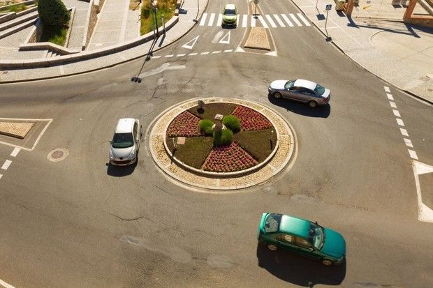 Why Does America Hate Roundabouts?